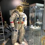 Mondanzug Omega Museum
