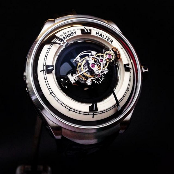 Deep Space triple axis Tourbillon Bild